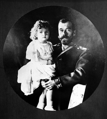 Emperor Nicholas II of Russia with his son Alexei, 1907