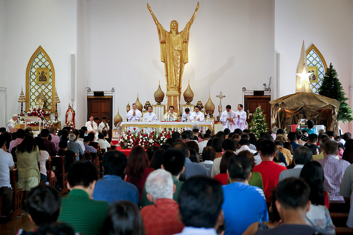 Christmas day mass in a church in Bangkok, Thailand