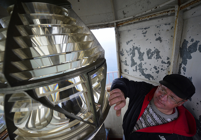 The keeper of the Sysoev lighthouse