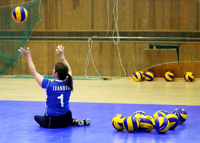 Paralympic training for sitting volleyball