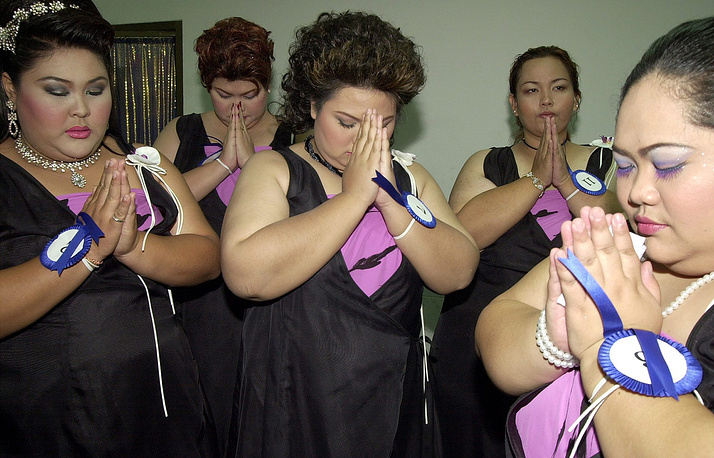 The Jumbo Queen Contest is organised to search for well-rounded ladies (weight 80 kilos up) with outstanding interpersonal skills to lead the annual Jumbo Banquet and promote elephant conservation in Thailand. Photo: Finalists of 'Jumbo Queen' Beauty Pageant, 2003