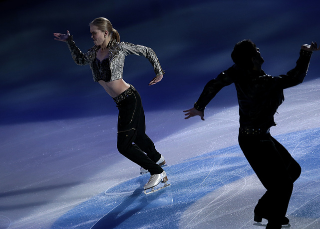 Bronze medallists in ice dancing Kaitlyn Weaver and Andrew Poje of Canada