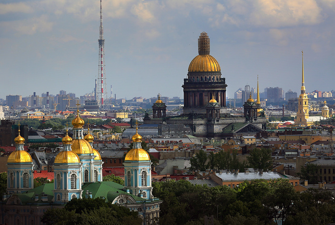 The St. Isaac's Cathedral was built by French architect Auguste Ricard de Montferrand in 1818-1858 and transformed into a museum after the 1917 Bolshevik Revolution