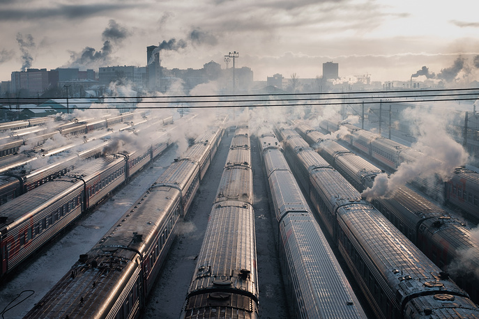 A view of trains at Moscow's Leningradsky and Yaroslavsky railway stations on a frosty day, January 7