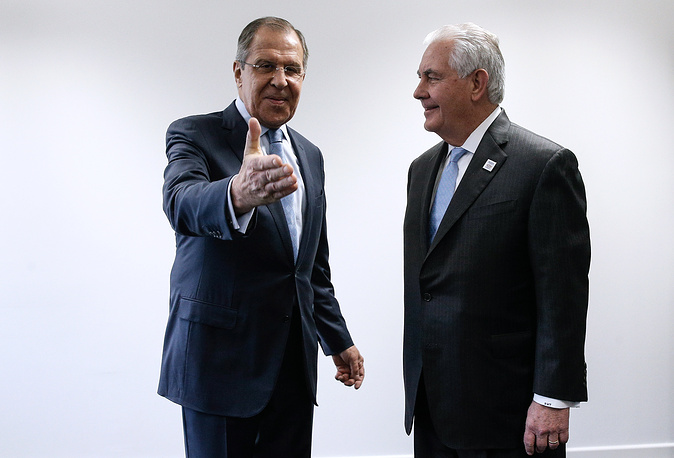 Russia's Foreign Minister Sergei Lavrov talks to US Secretary of State Rex Tillerson during their talks on the sidelines of the G20 foreign ministers meeting, 2017
