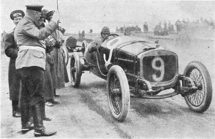 In the years preceding the 1917 October Revolution, Russia produced a growing number of Russo-Balt and other vehicles and even held its first motor show in 190. Photo: Russo-Balt C24/58 car at the start of the Grand Prix of Russia in 1913