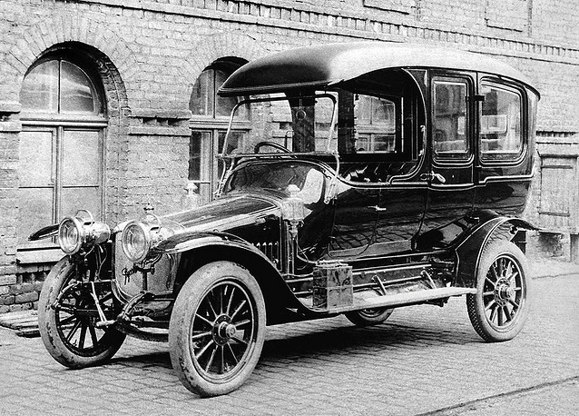 The Russo-Baltic Wagon Factory was founded in 1874 in Riga, then a major industrial centre of Russian Empire. Photo: Russo-Balt С-24/40 car, 1913