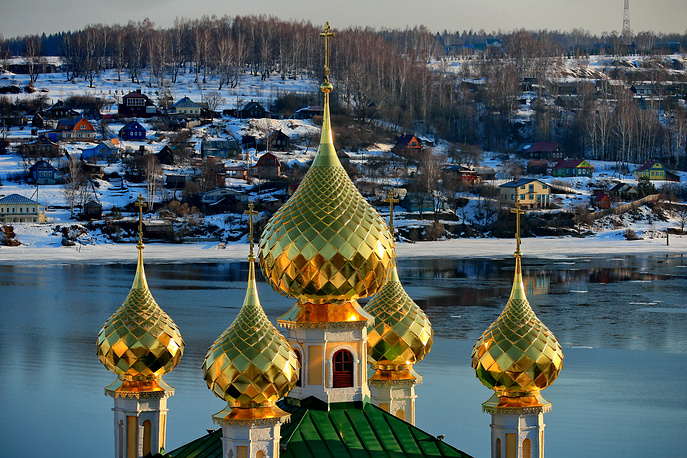 Town of Plyos, one of the smallest Golden Ring destinations, located on the right bank of the Volga River. Photo: A view of the Resurrection Church's domes in the town of Plyos, Ivanovo region