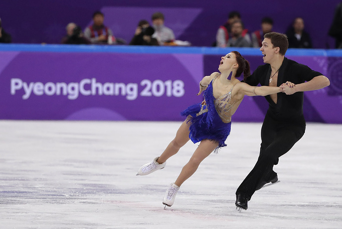 Russian figure skaters Ekaterina Bobrova and Dmitry Solovyov won the third place in the team short dance