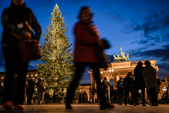 Christmas tree in front of the Brandenburg Gate in Berlin, Germany