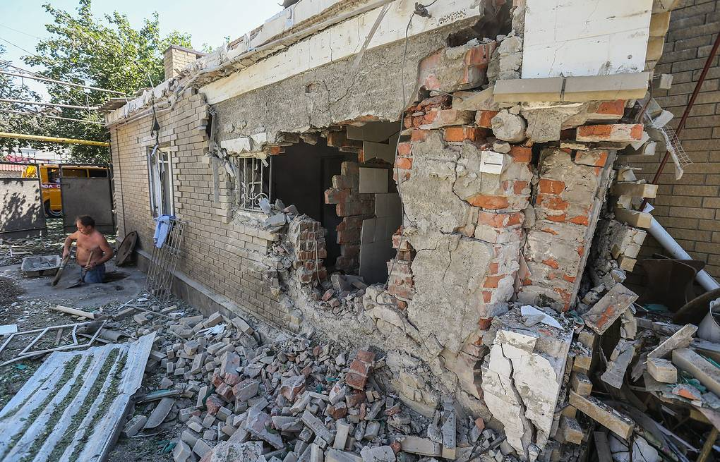 A house destroyed in shelling of Donetsk ITAR-TASS/EPA/SERGEI ILNITSKY