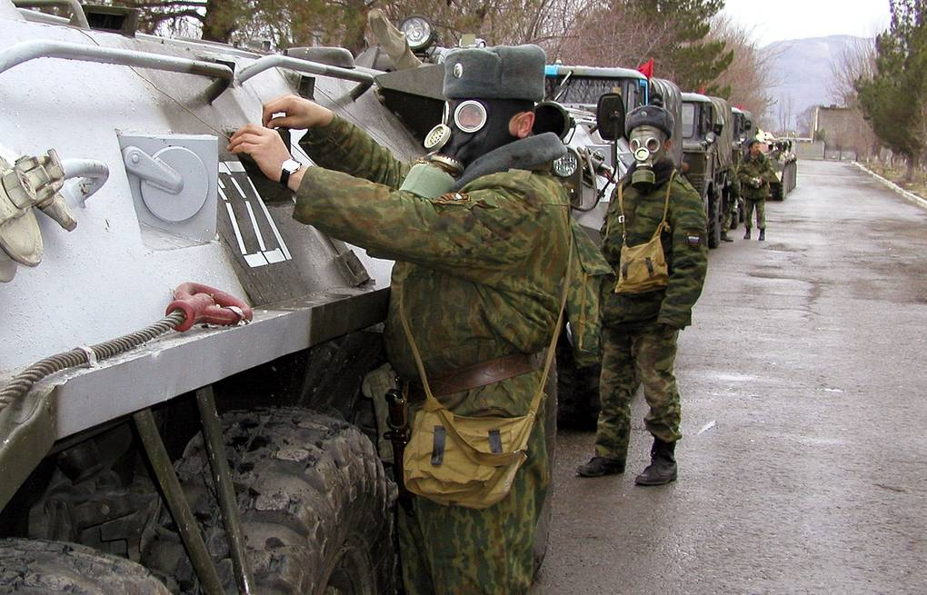 Servicemen of the 201st Russian military base during drills (archive) ITAR-TASS/Sergey Zhukov