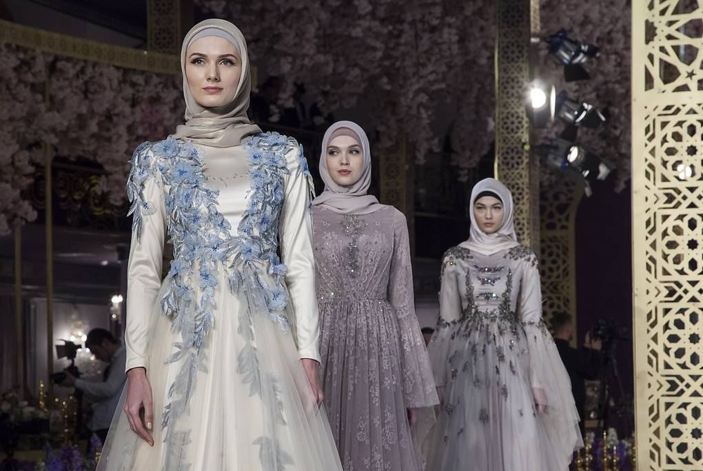 Chechen Leader S Daughter Makes Fashion Designer Debut Society Culture Tass