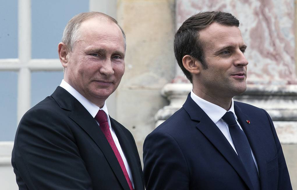 Russian President Vladimir Putin and French President Emmanuel Macron, May 29, 2017 Etienne Laurent/Pool Photo via AP
