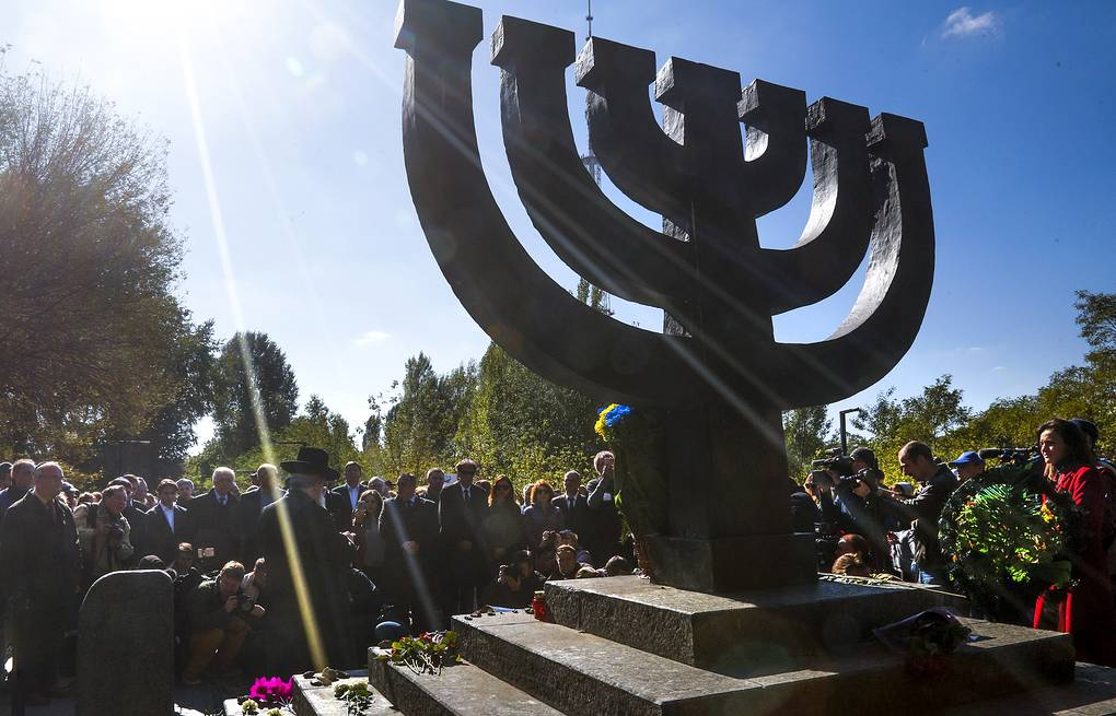 A monument in Babi Yar ravine where Nazi troops machine-gunned tens of thousands of Jews during WWII, in Kiev AP Photo/Efrem Lukatsky)