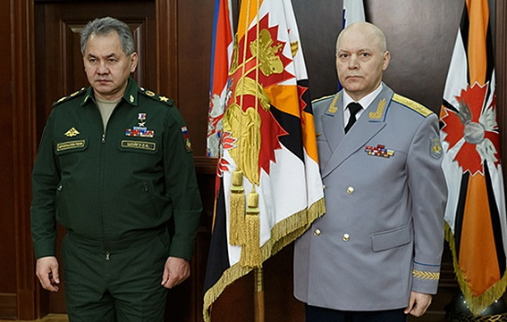 Russian Defense Minister Sergei Shoigu (L) and Igor Korobov (R) Russian Defense Ministry's Press and Information Department/TASS