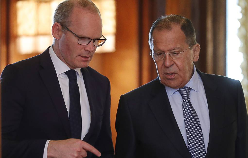 Ireland's Minister for Foreign Affairs and Trade Simon Coveney and Russian Foreign Minister Sergey Lavrov  Mikhail Japaridze/TASS