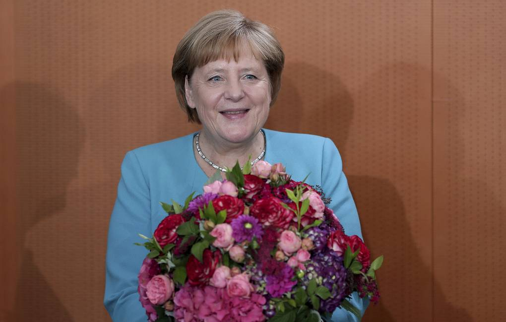 Putin wishes Merkel a happy birthday - Russian Politics