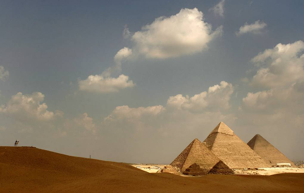 Desert view of the Great Pyramids of Giza EPA/MIKE NELSON