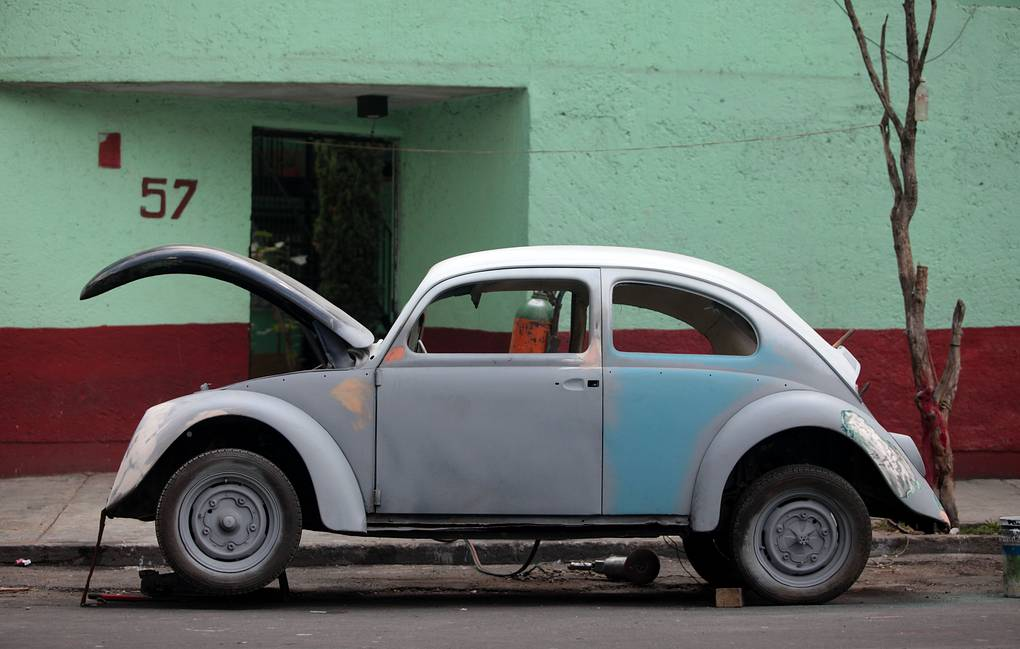 Автомобиль Volkswagen Beetle AP Photo/Sofia Jaramillo