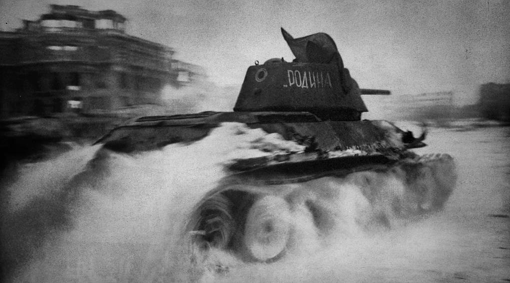 Танк Т-34 в Сталинграде, 1943 год Sovfoto/Universal Images Group via Getty Images