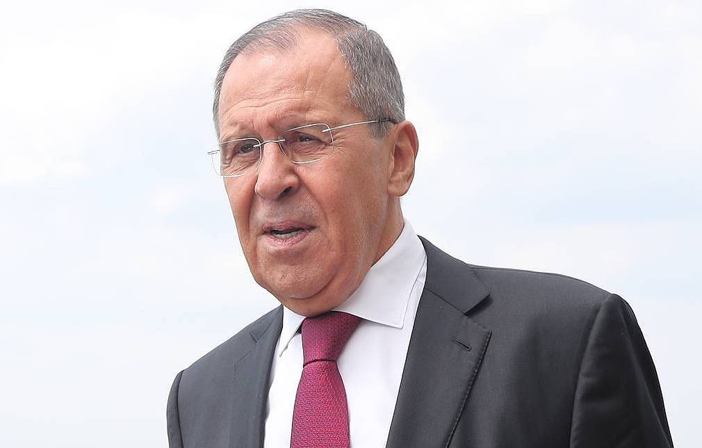Lavrov urges world community to try to find balance of interests on key global problems