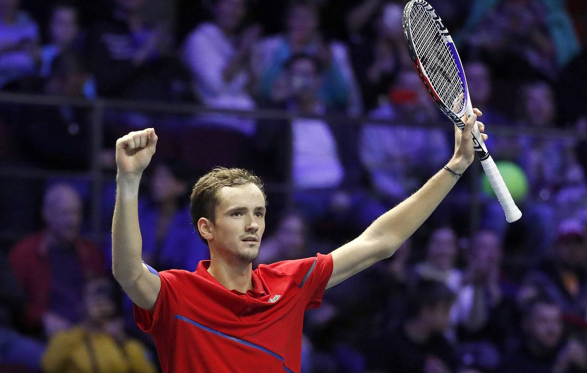 Eyes on the prize: Russian tennis star Medvedev set for Davis Cup final with national team