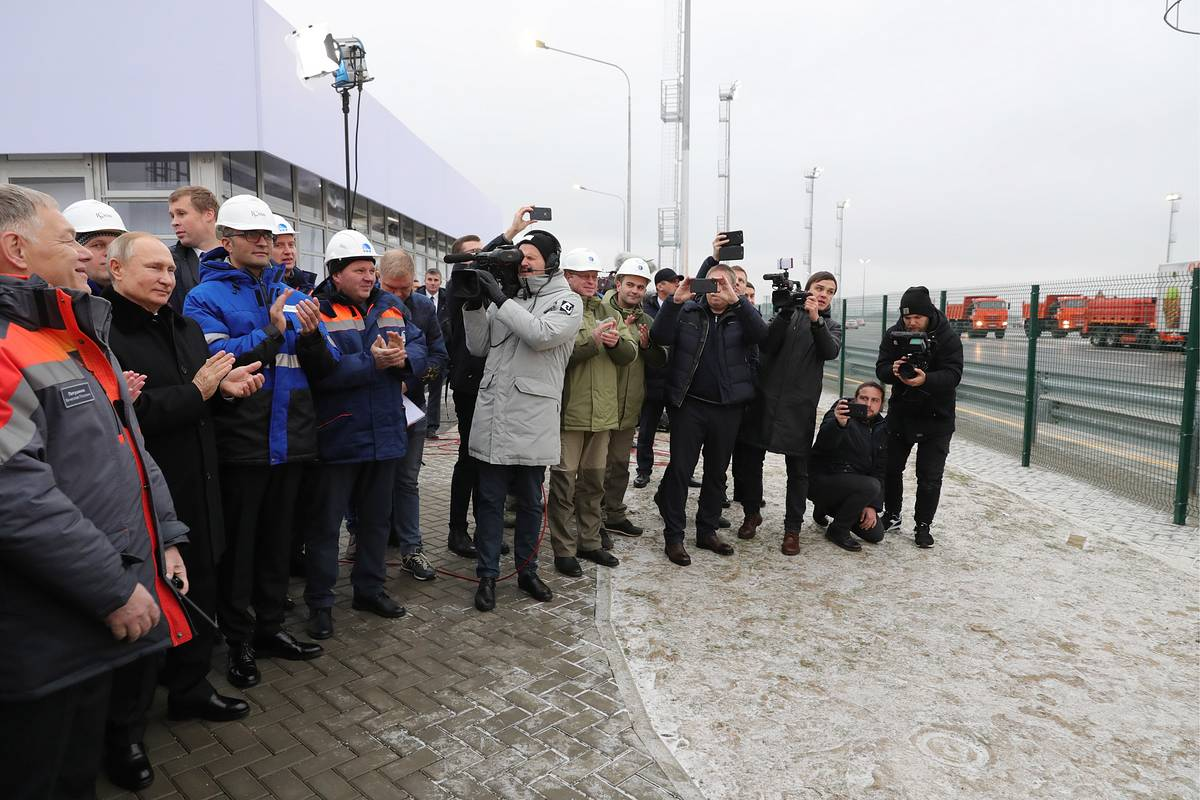Putin says public chose it, so call it 'Neva': Moscow - St. Petersburg highway gets named