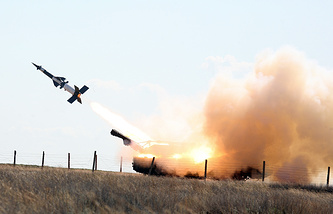 Military drills at the Ashuluk testing range (archive)
