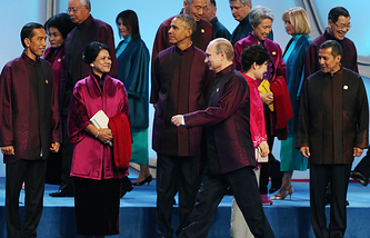 Russian President Vladimir Putin and US President Barack Obama at APEC summit in Beijing