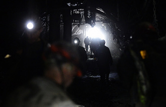 Coalmine workers (archive)