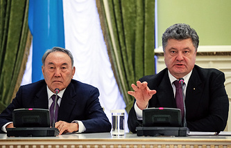 Nursultan Nazarbayev and Petro Poroshenko