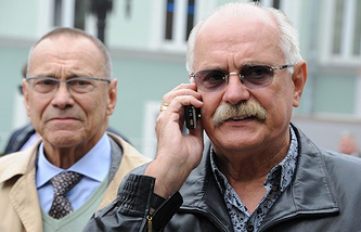 Andrey Konchalovsky (left) and Sergey Mikhalkov (right)