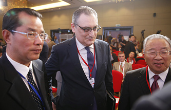 """Russian Deputy Foreign Minister Igor Morgulov and Dai Bingguo, the Chinese chair of the Chinese-Russian Committee for Friendship, Peace and Development at the conference """"Russia and China: to the new quality of bilateral relations"""""""
