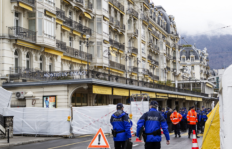 Security installations are prepared in front of the 'Fairmont Le Montreux Palace' hotel in Montreux, Switzerland