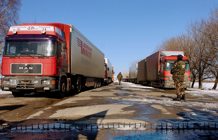 Trucks on the border between Moldova and Ukraine
