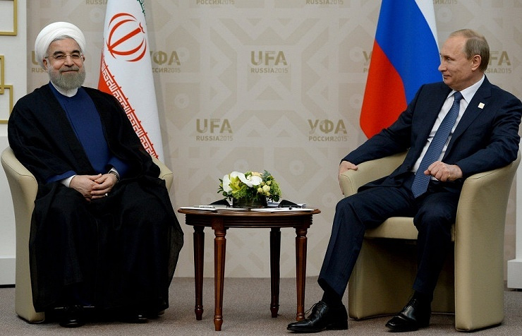 Iran's President Hassan Rouhani (left) and Russian President Vladimir Putin (right)