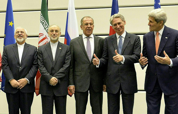 Iranian Foreign Minister Mohammad Javad Zarif, Iran's Ambassador to the IAEA Ali Akbar Salehi, Russian Foreign Minister Sergey Lavrov, British Foreign Secretary Philip Hammond and US Secretary of State John Kerry