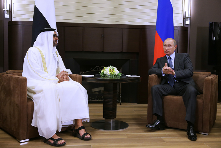 Russian President Vladimir Putin and Crown Prince of Abu Dhabi, Deputy Supreme Commander of the UAE Armed Forces Sheikh Mohammed bin Zayed Al Nahyan (right to left)