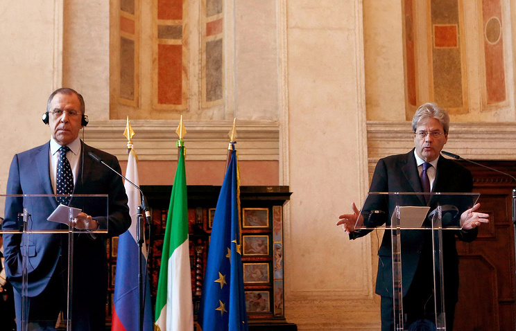 Russian and Italian Foreign Ministers Sergey Lavrov and Paolo Gentiloni