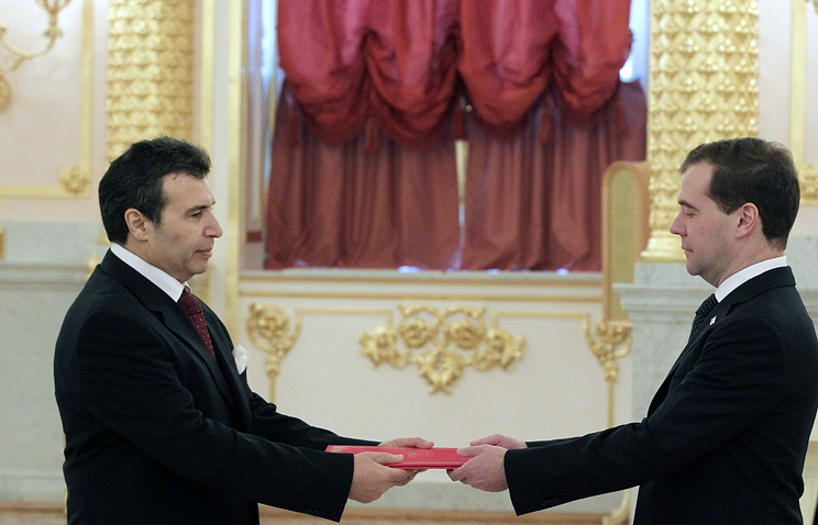 Tunisia's Foreign Minister Hmais Zhinaui and Russia's Prime Minister Dmitriy Medvedev, 2011