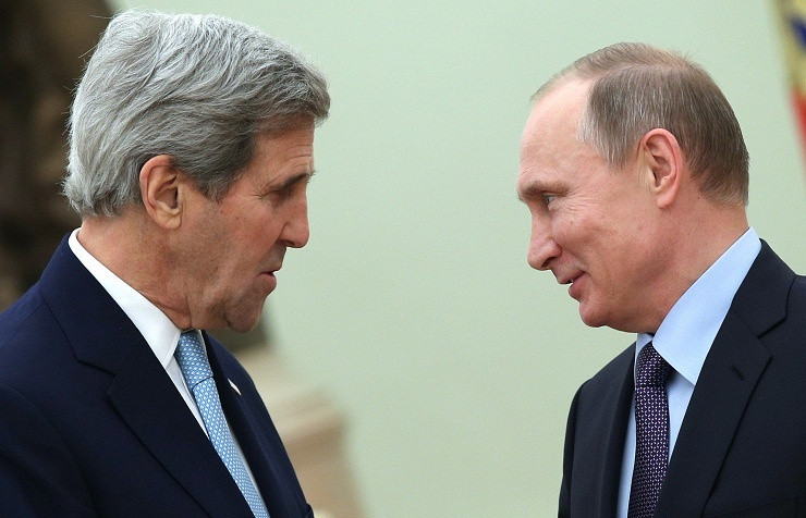 US Secretary of State John Kerry and Russian President Vladimir Putin (archive)