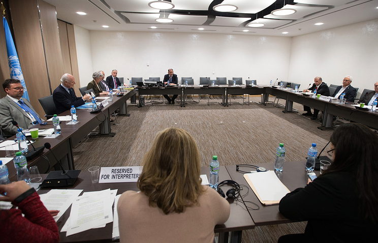 A general view at the opening of a meeting of Intra-Syria peace talks with the High Negotiations Committee (HNC) delegation and UN Syria envoy Staffan de Mistura