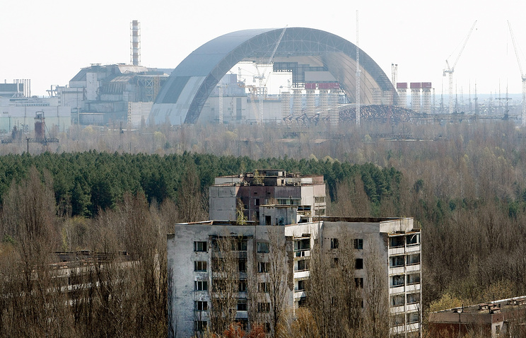 Construction site of a New Safe Confinement structure to cover damaged Unit 4 of the Chernobyl power station