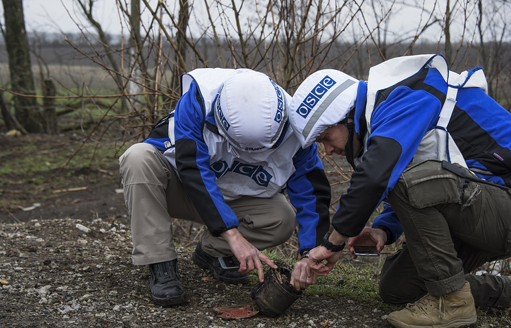 OSCE observers in Ukraine, March 2015 (archive)
