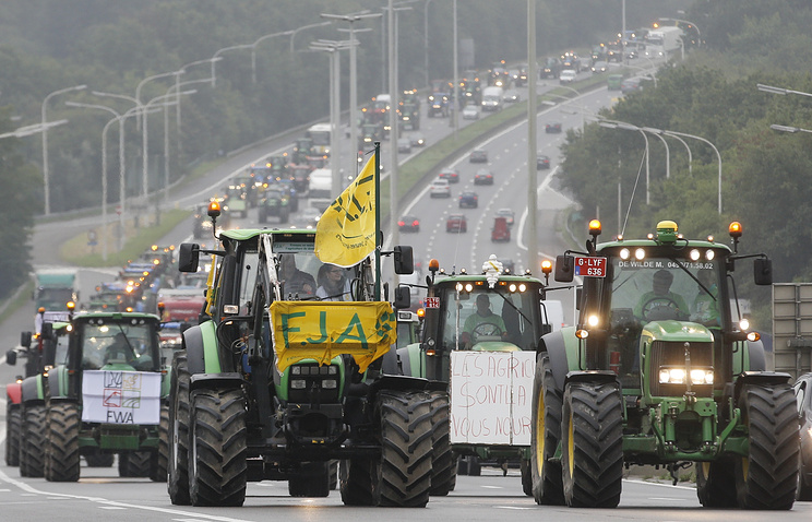 Farmers' protest over economic problems in the agriculture sector in Belgium, September 2015 (archive)