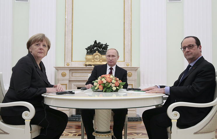 German Chancellor Angela Merkel, Russian President Vladimir Putin and French President Francois Hollande, February 6, 2015