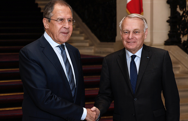 Russian Foreign Minister Sergey Lavrov and French Foreign Minister Jean-Marc Ayrault