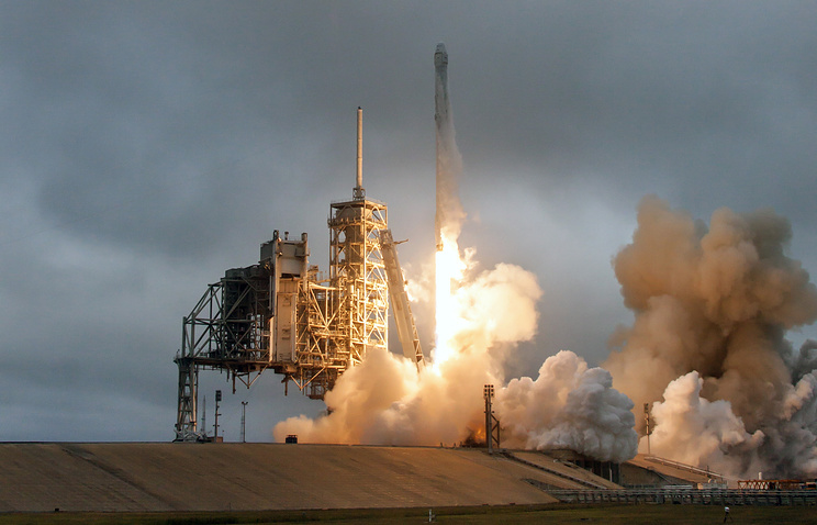 SpaceX Falcon 9 rocket on Launch Complex at NASA's Kennedy Space Center