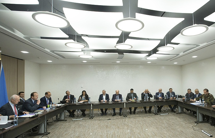 Syrian opposition says to meet Russian officials at Geneva talks on Monday